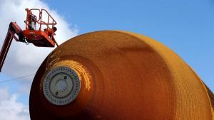 ROW Moves 66,000-pound fuel tank